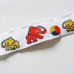 Band Elefanten mit Ball