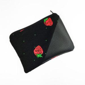 Geldbeutel Kunstleder schwarz, schwarz mit Erdbeeren