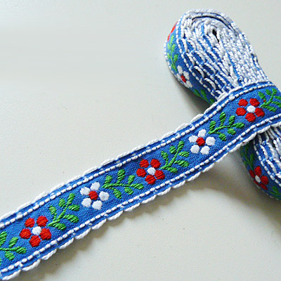 Band Blume auf Blau