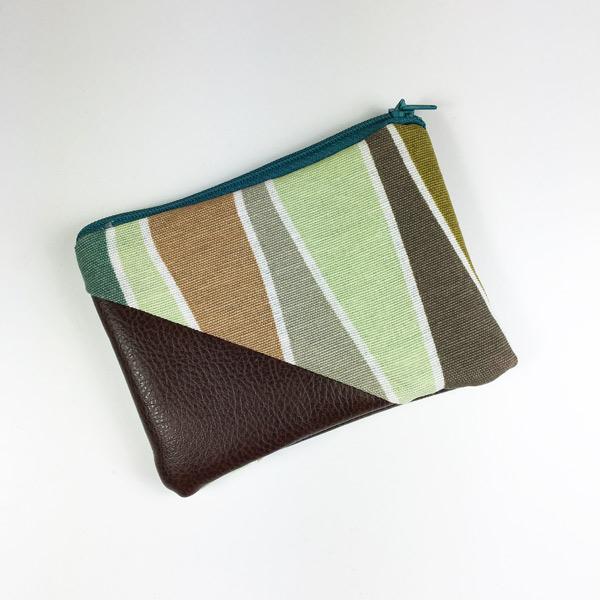 Geldbeutel braunes Kunstleder, grün-braunes Muster