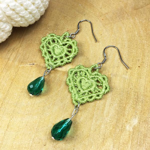 Ohrringe Spitze Herz Grün mit grüner Perle