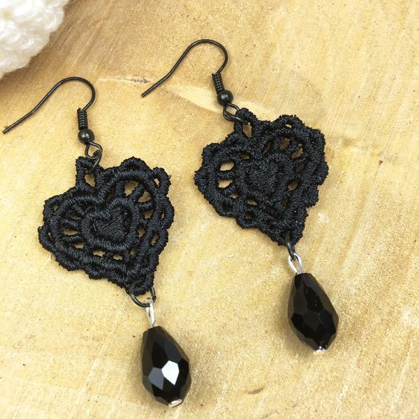 Ohrringe Spitze schwarzes Herz mit Perle