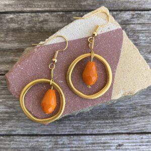 Ohrringe mattes gold, edel mit Glasperle orange